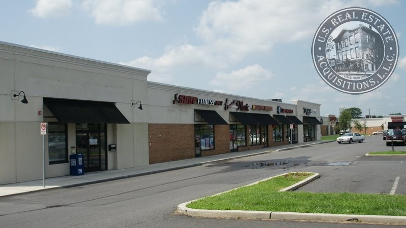 238-240 West End Blvd, Country Sq Shopping Ctr