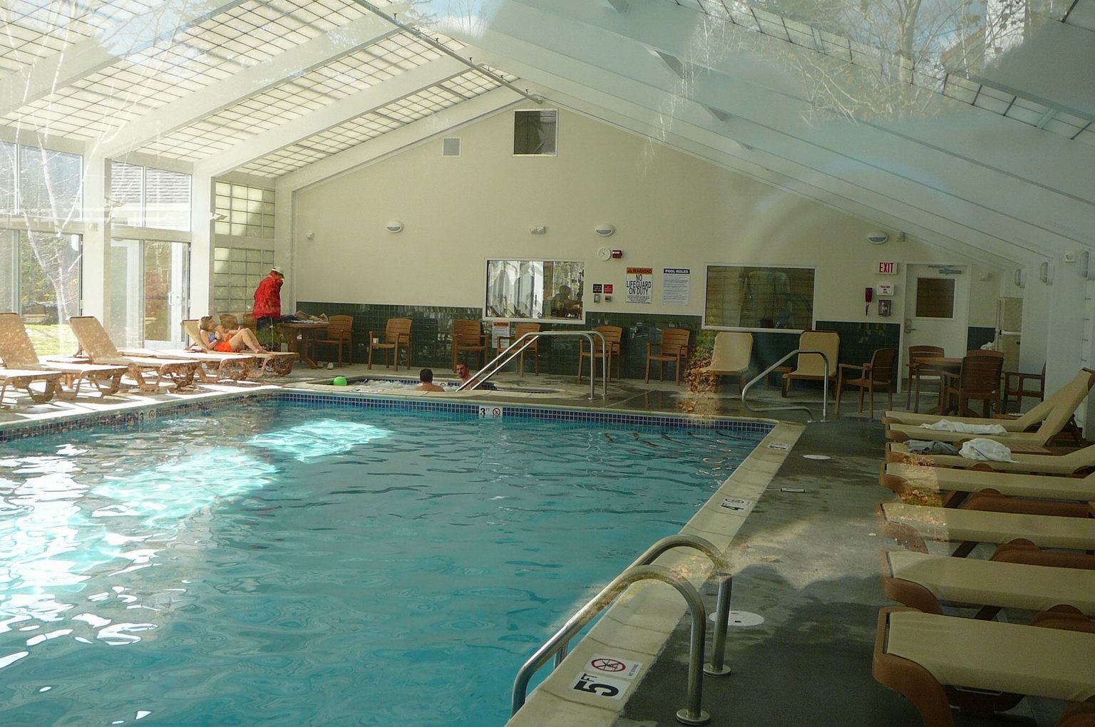 Indoor_Pool_4.JPG
