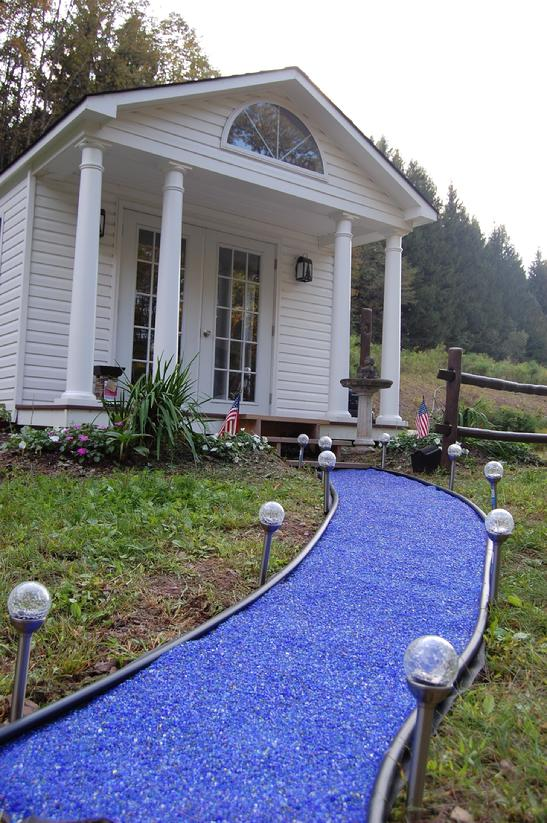 547_blue_glass_mulch_path.jpg