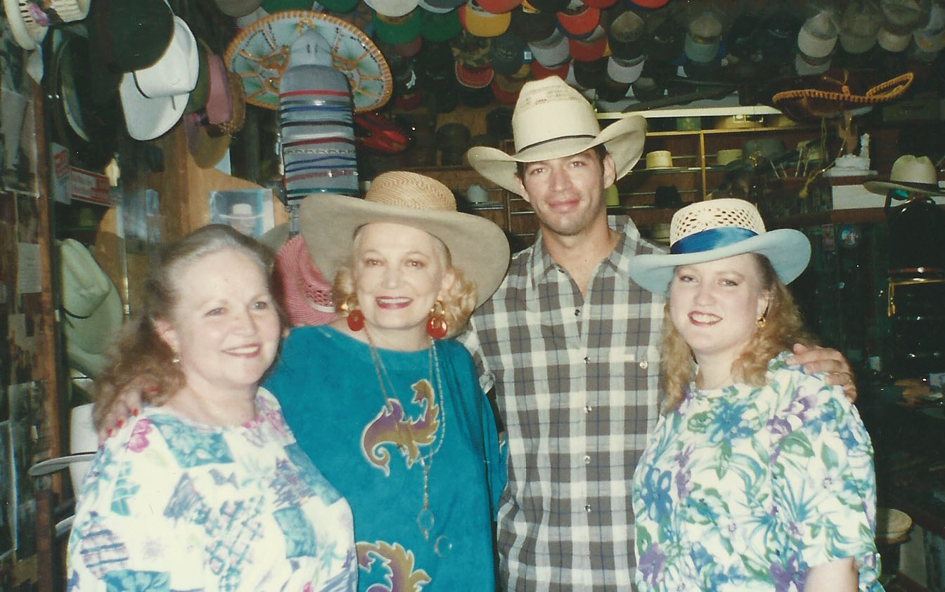Norma__Gena_Rowlands__Harry_Connick__Jr_and_Joella.jpg