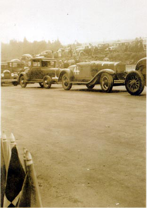 TR0002__29___44__Sep._27_1939_Coupes_and_Roadsters_togather_HR.jpg