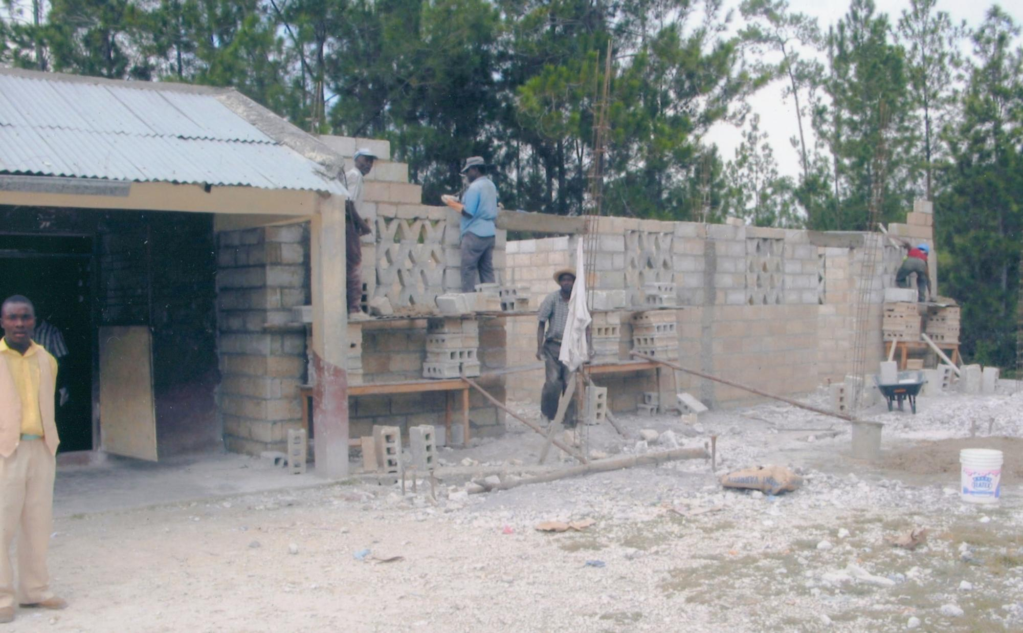 2002-3_Thiotte_Clinic_Construction_HMMW_p_DrMM_image3.jpg