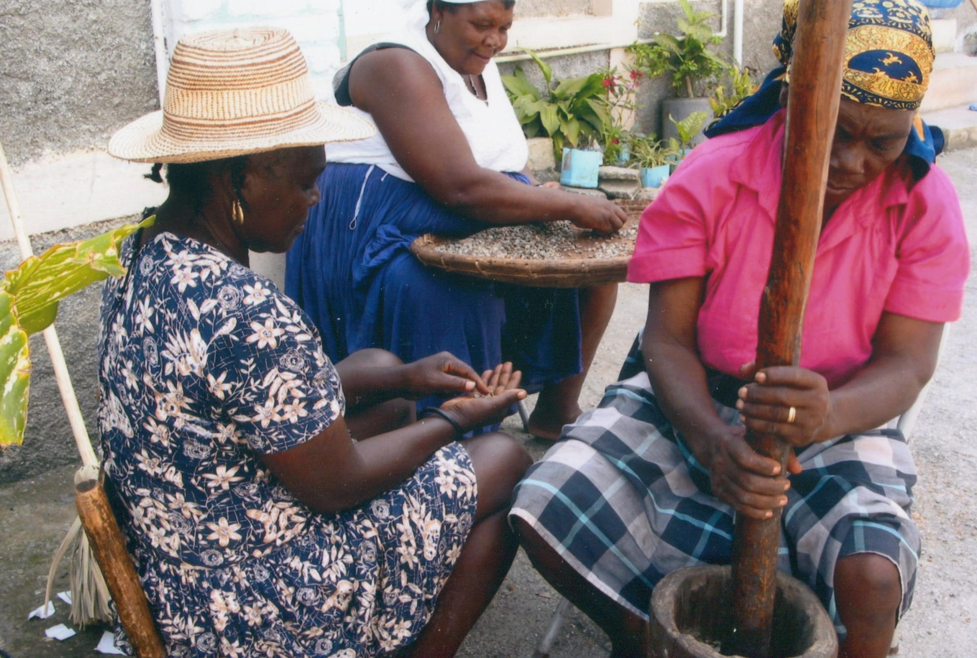 2002-3_Thiotte_Haiti_3_women_grind_grain_coffee____p_Dr_MM_image4.jpg