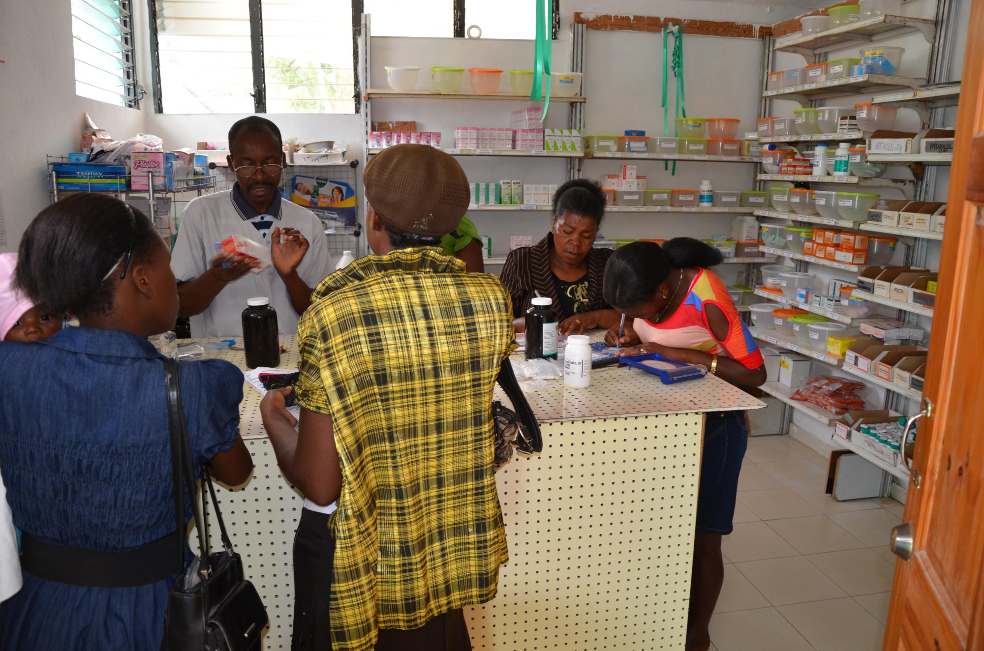 Charles__our_Haitian_on_site_pharmacist_772.jpg