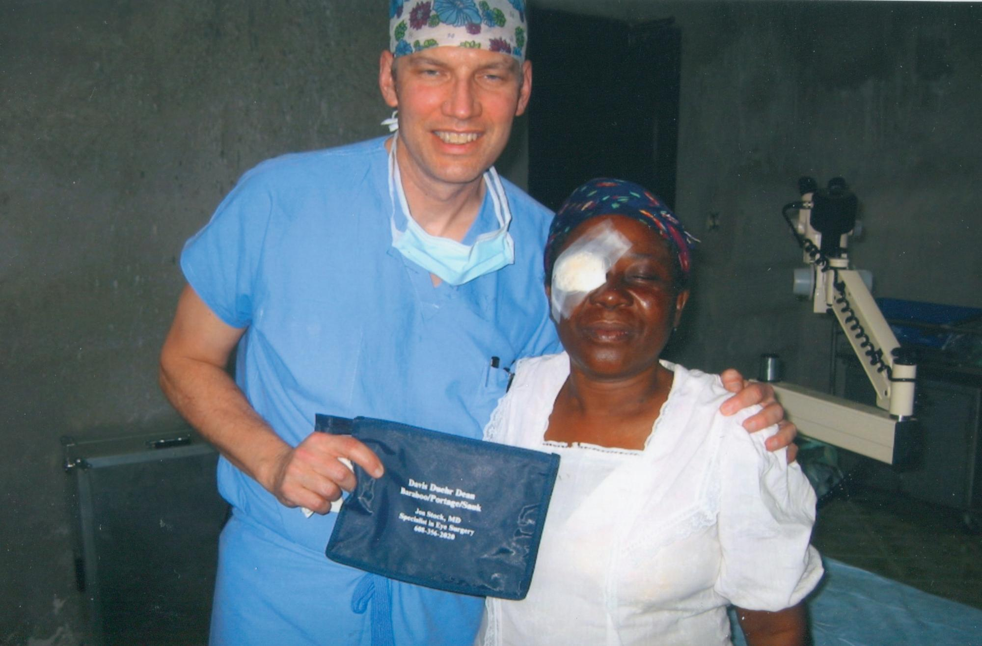 Dr_Jon_Stock____with_female_eye_patient_post_op_circa_feb_2003_image50.jpg