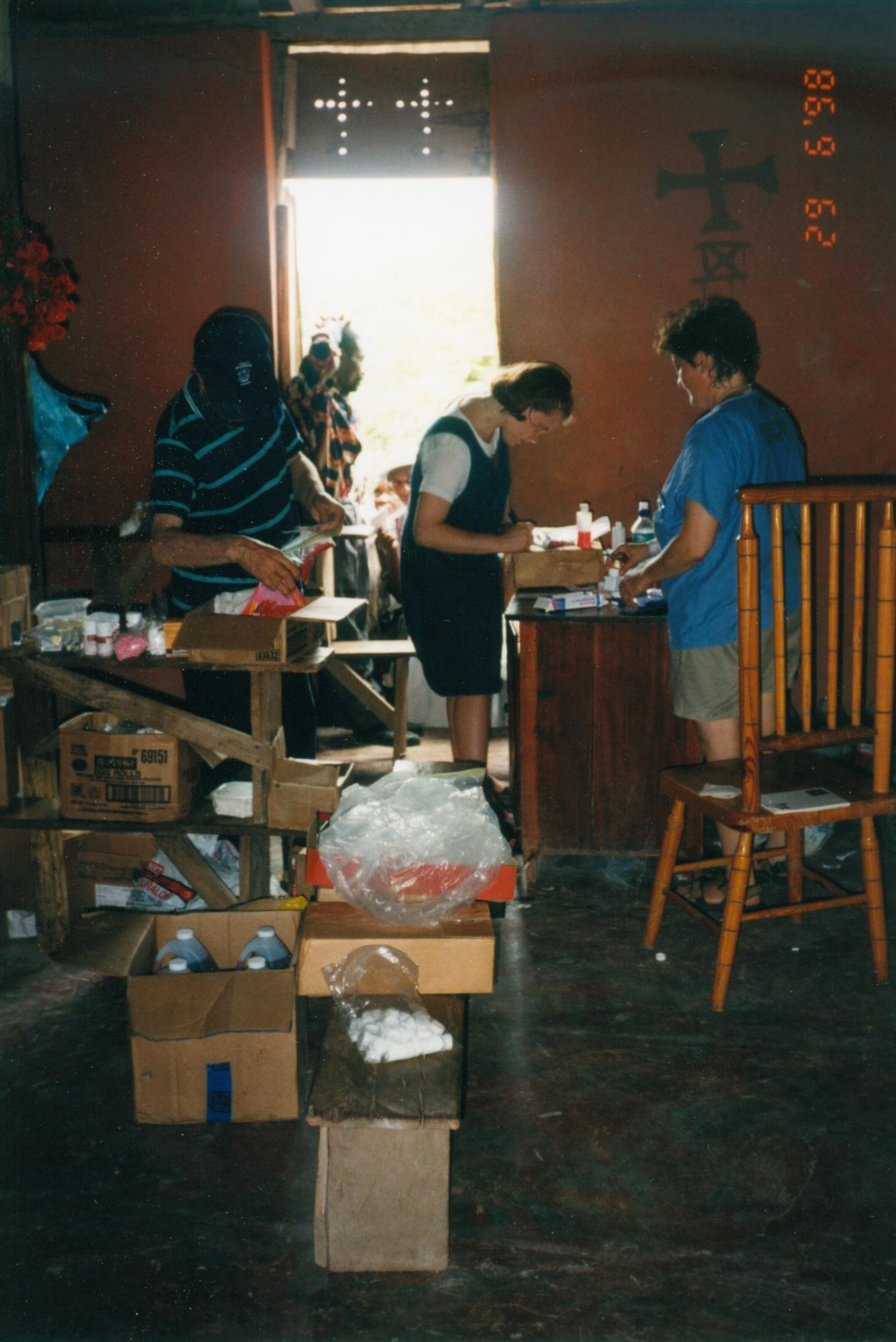 Maureen_1998_packing_unpacking_image13.jpg