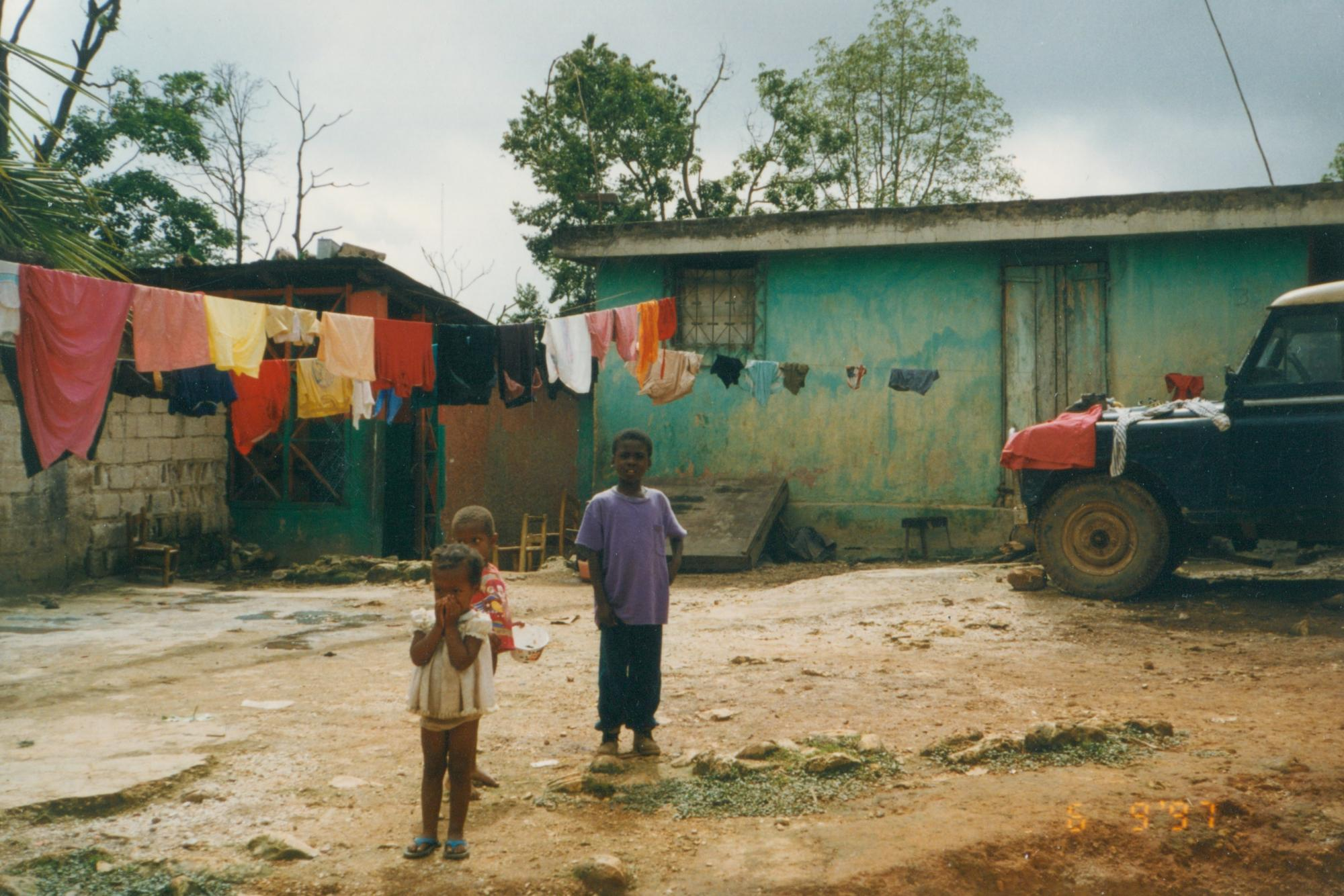 Young_children_near_home_yard_June_1997_image93.jpg