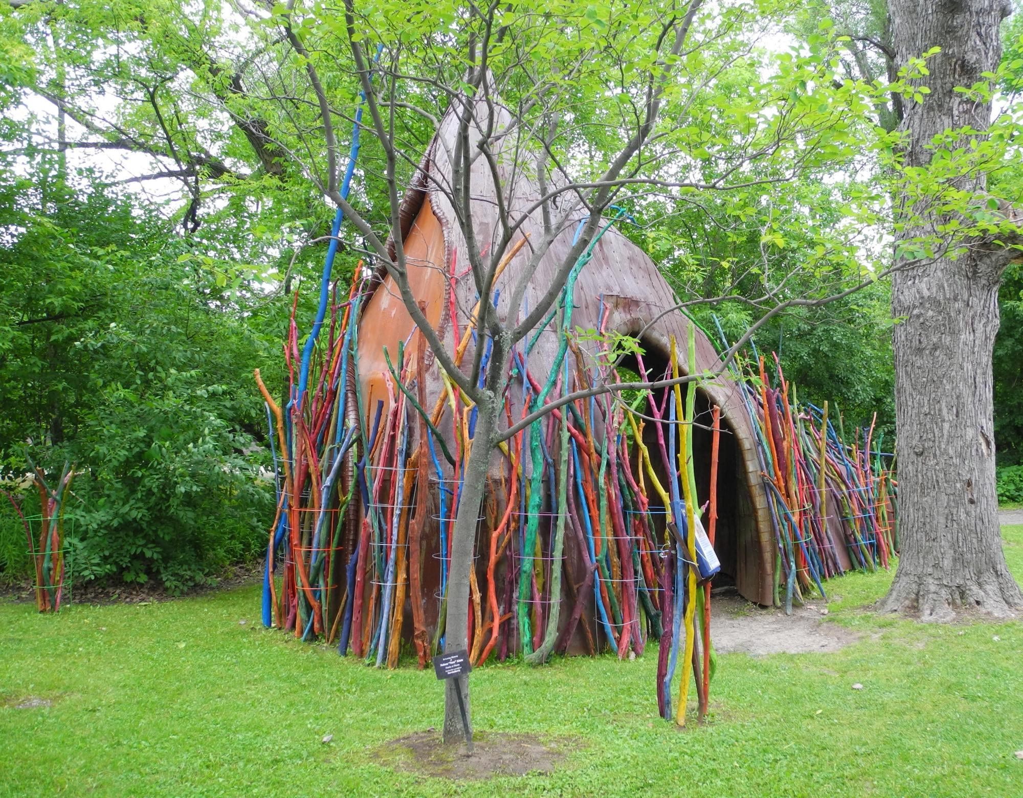 color_sticks_teepee_1.JPG