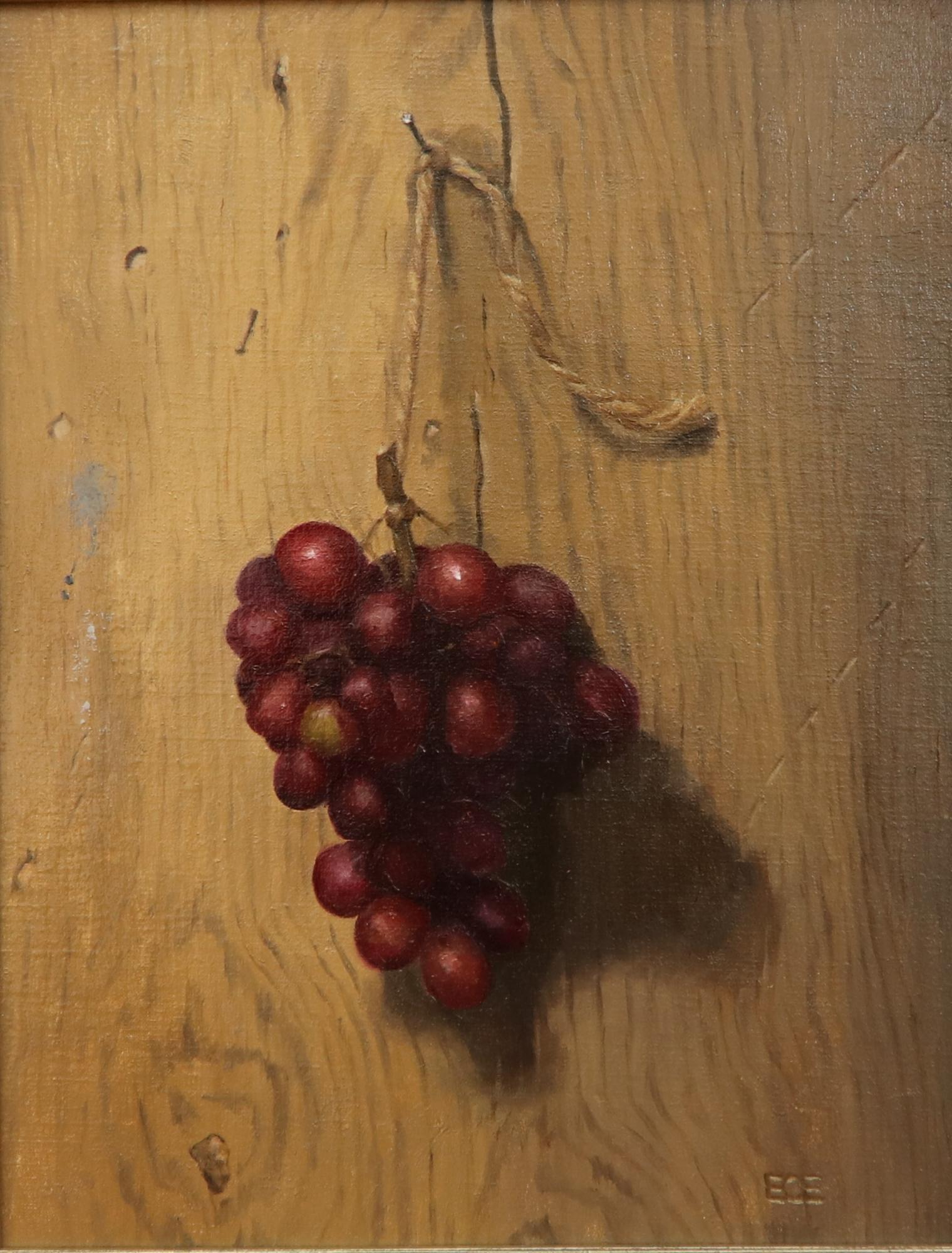 Hanging_Red_Grapes.jpg
