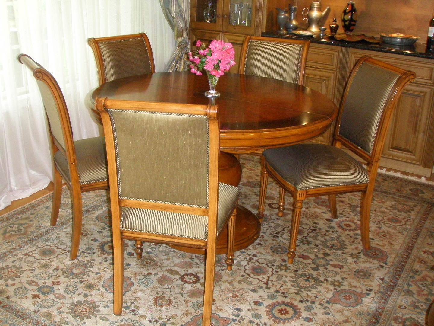 P6041445_DR_chairs_table_.jpg