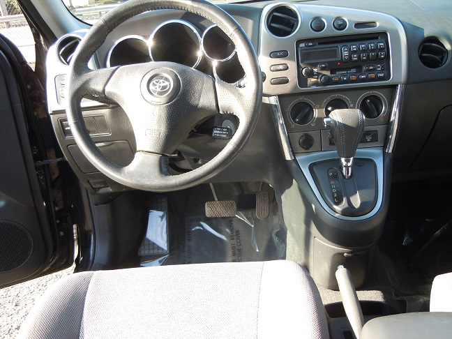 03_toyota_matrix_2.jpg