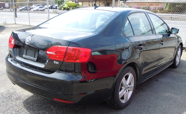 12_vw_jetta_tdi_black_2.jpg