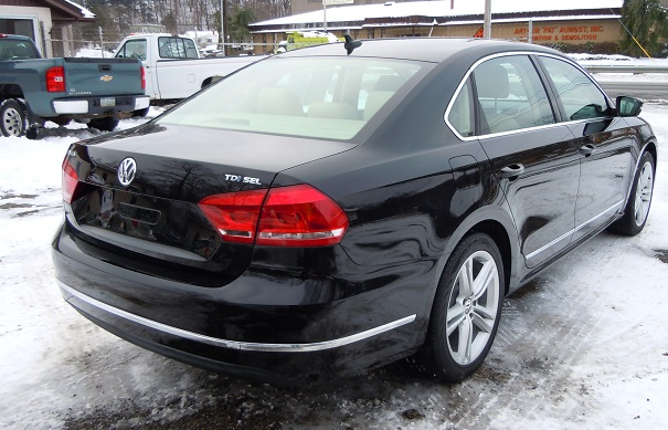 13_vw_passat_black_9035_2.jpg