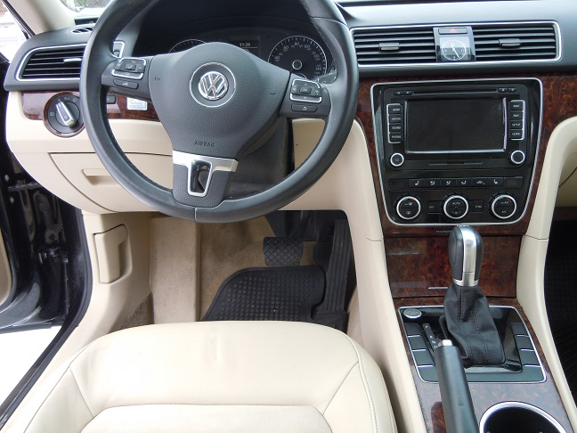 13_vw_passat_black_9035_5.jpg
