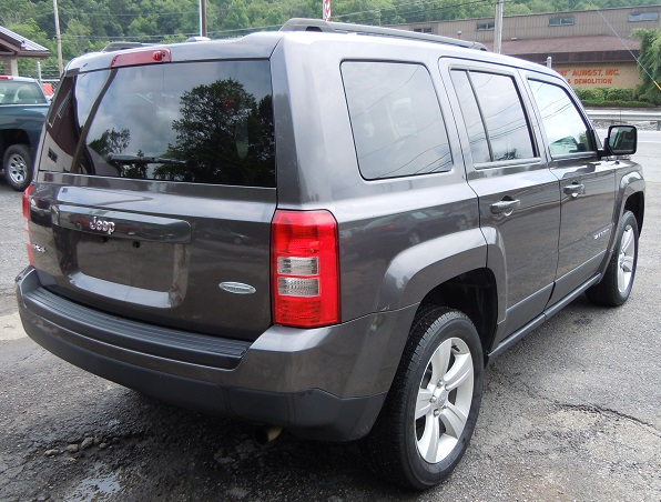 14_jeep_patriot_gray_272759.jpg