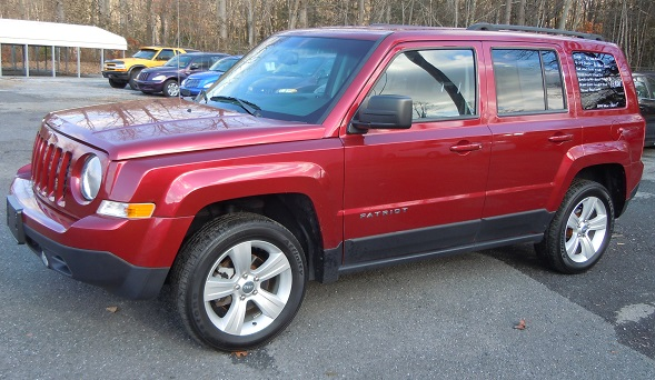 14_jeep_patriot_maroon_8545_1.jpg