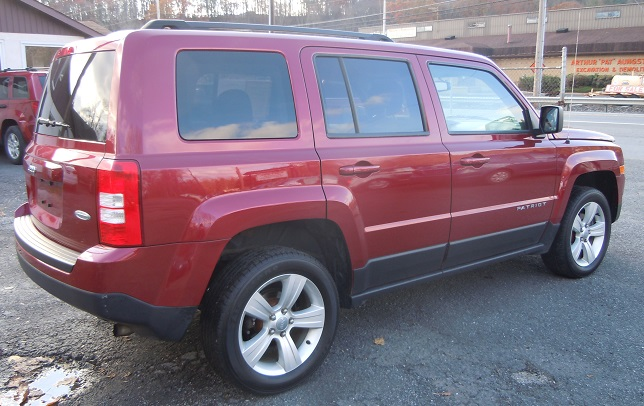 14_jeep_patriot_maroon_8545_4.jpg