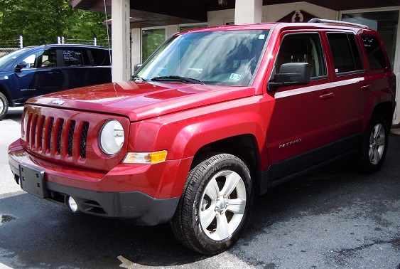 14_jeep_patriot_red_n1.jpg