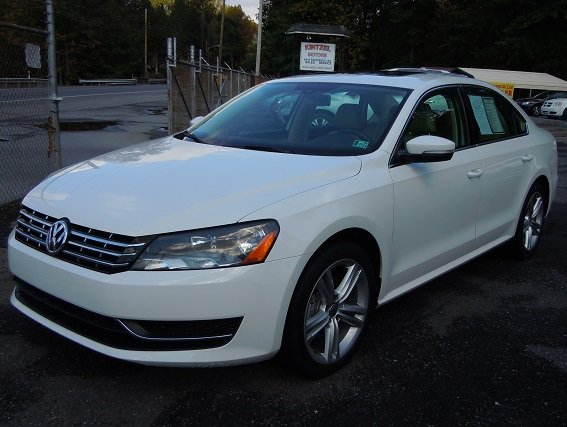 15_VW_PASSAT_WHITE_1.jpg