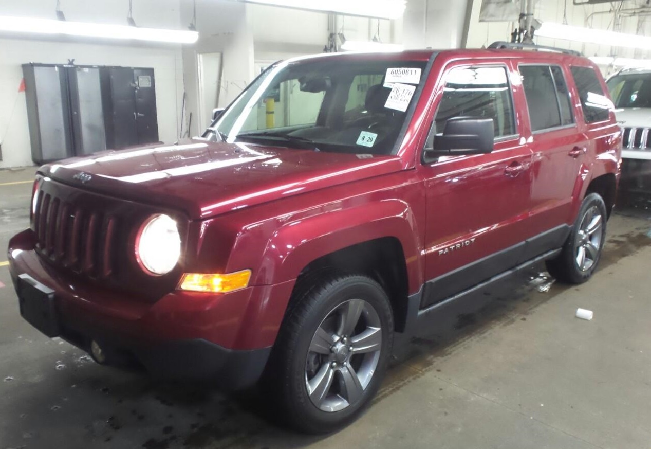 15_jeep_patriot_red_1.jpg