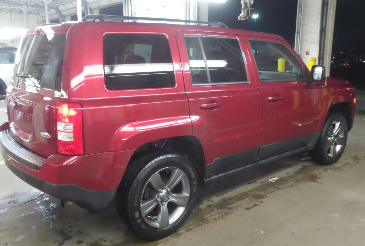 15_jeep_patriot_red_2.jpg