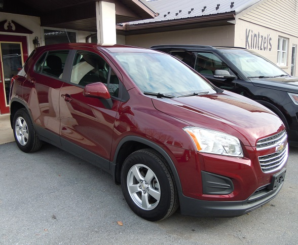 16_chevy_trax_red_1.jpg