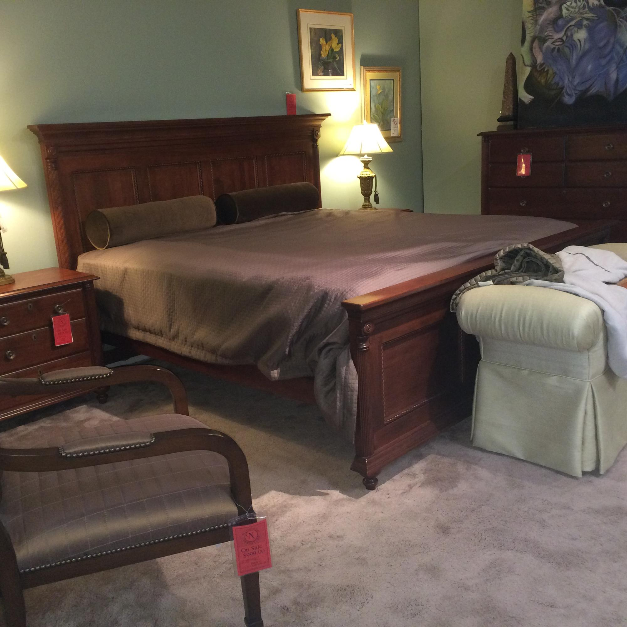 King panel bed in solid maple with mahogany finish (Still in box)