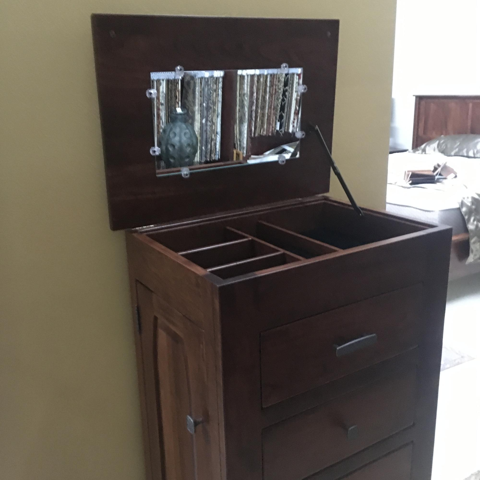 Top up on jewelry chest