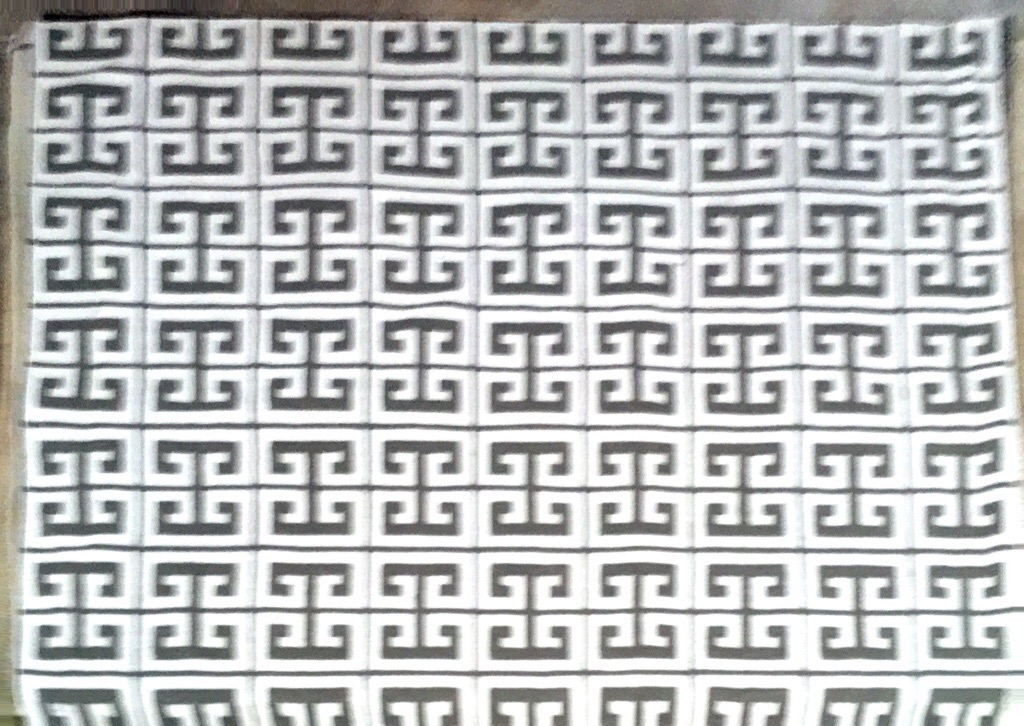 LG-05 Greek Key