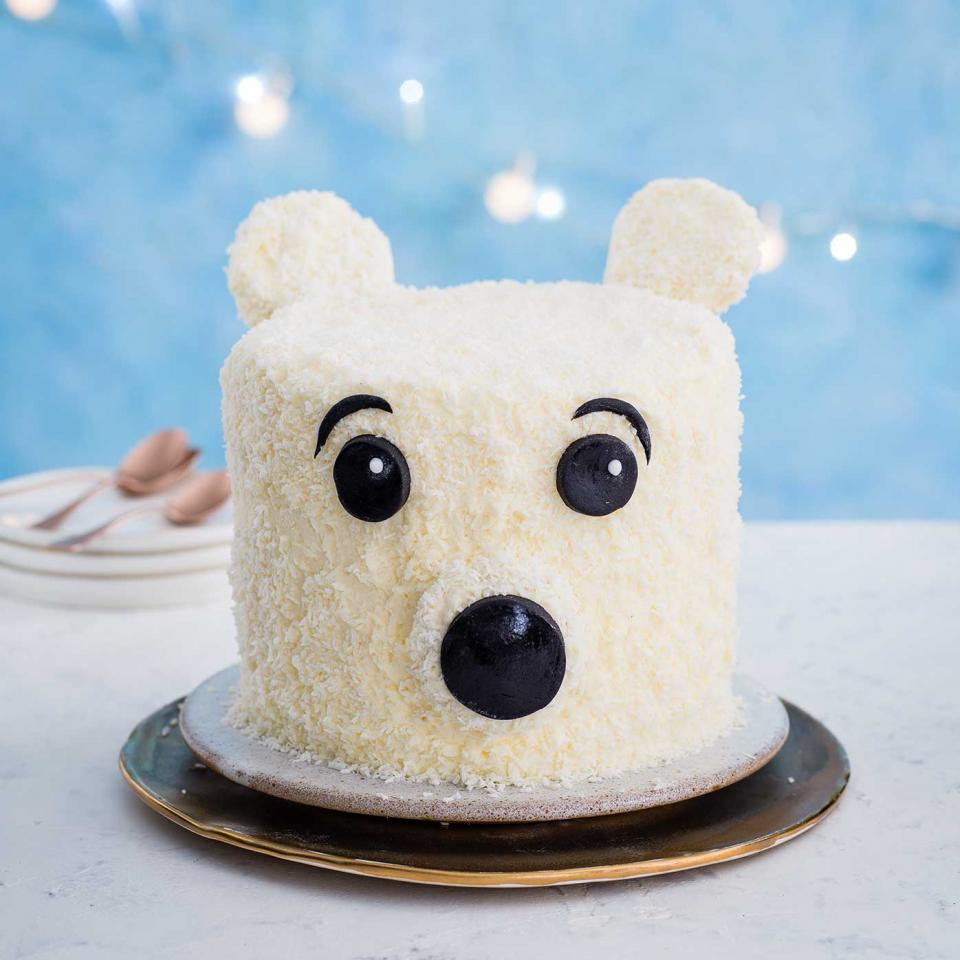8642-Polar-bear-Christmas-cake.jpg