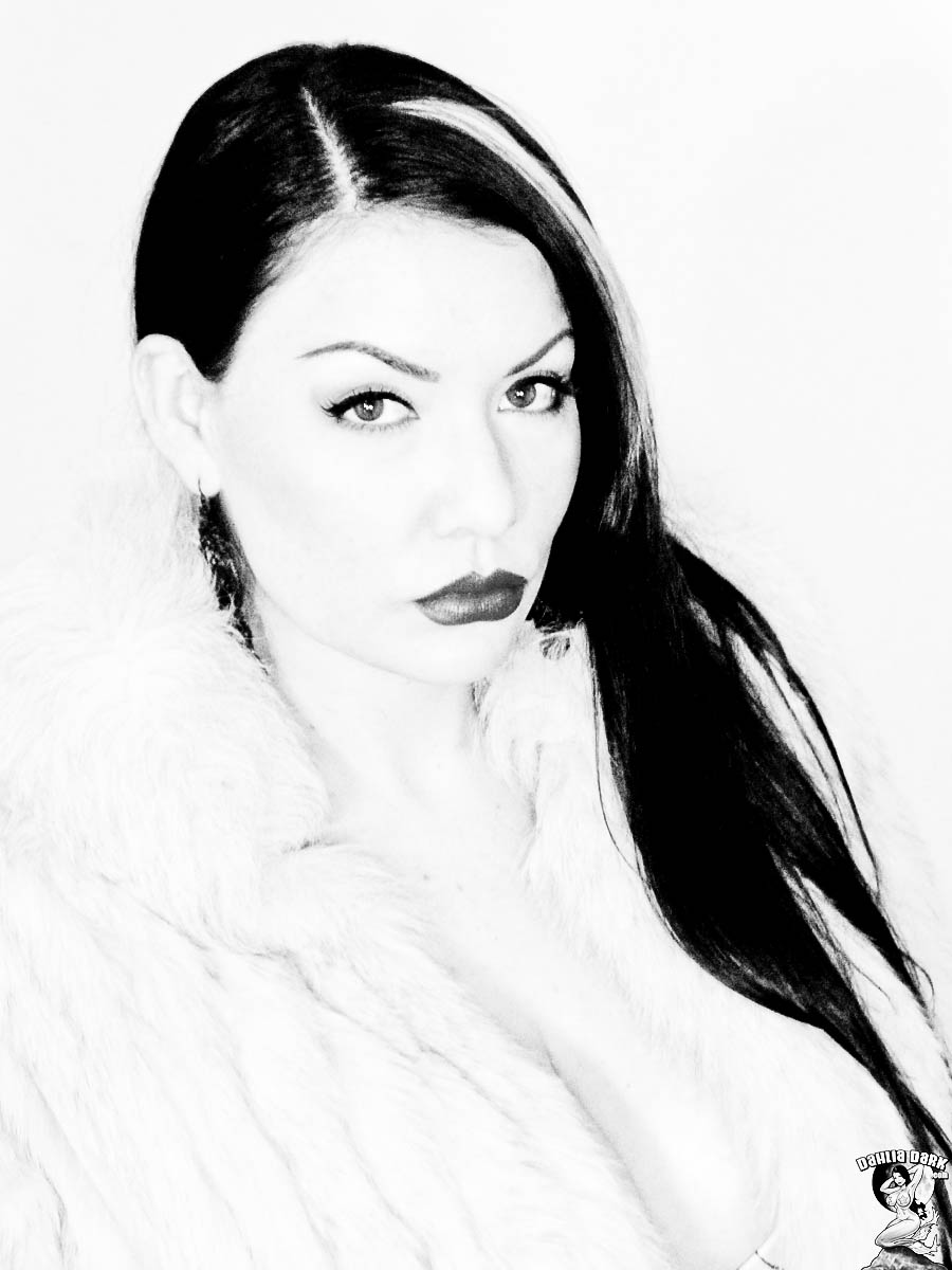 dahlia dark headshot black and white vixen