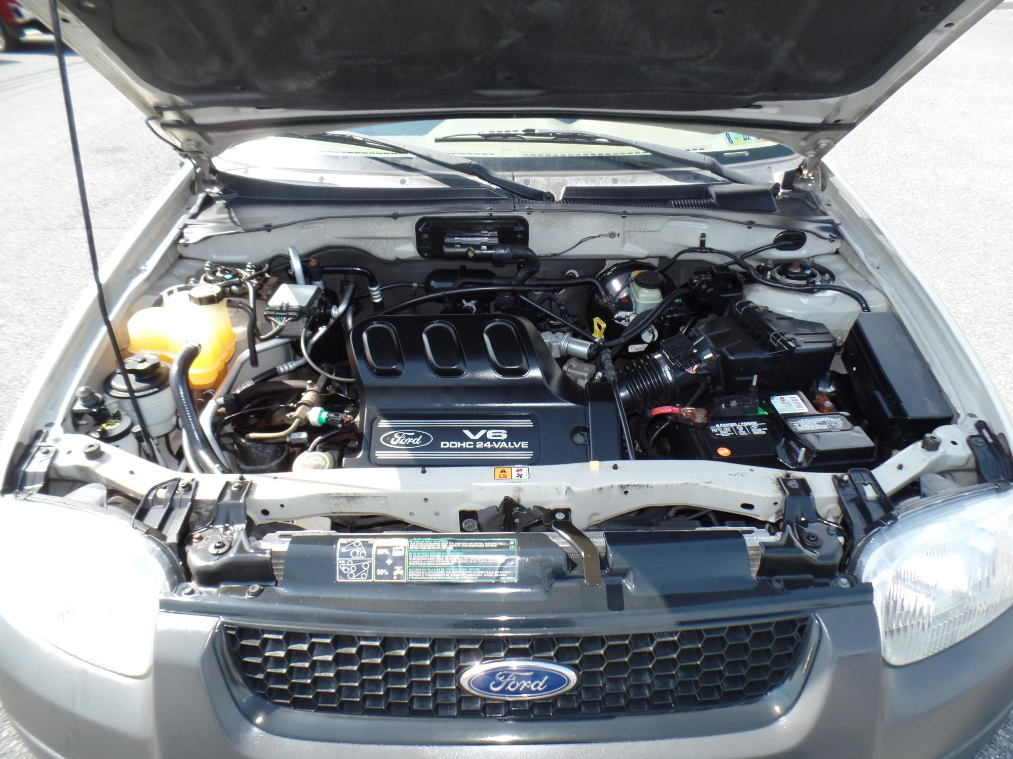 2003_Ford_Escape_A25738__10_.JPG