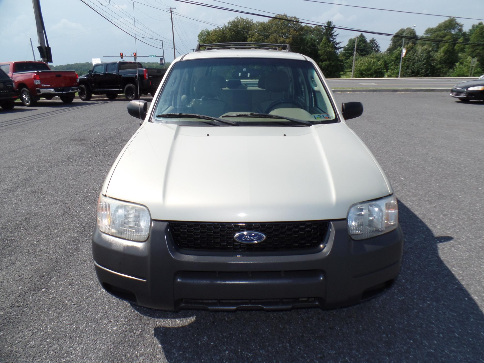 2003_Ford_Escape_A25738__7_.JPG