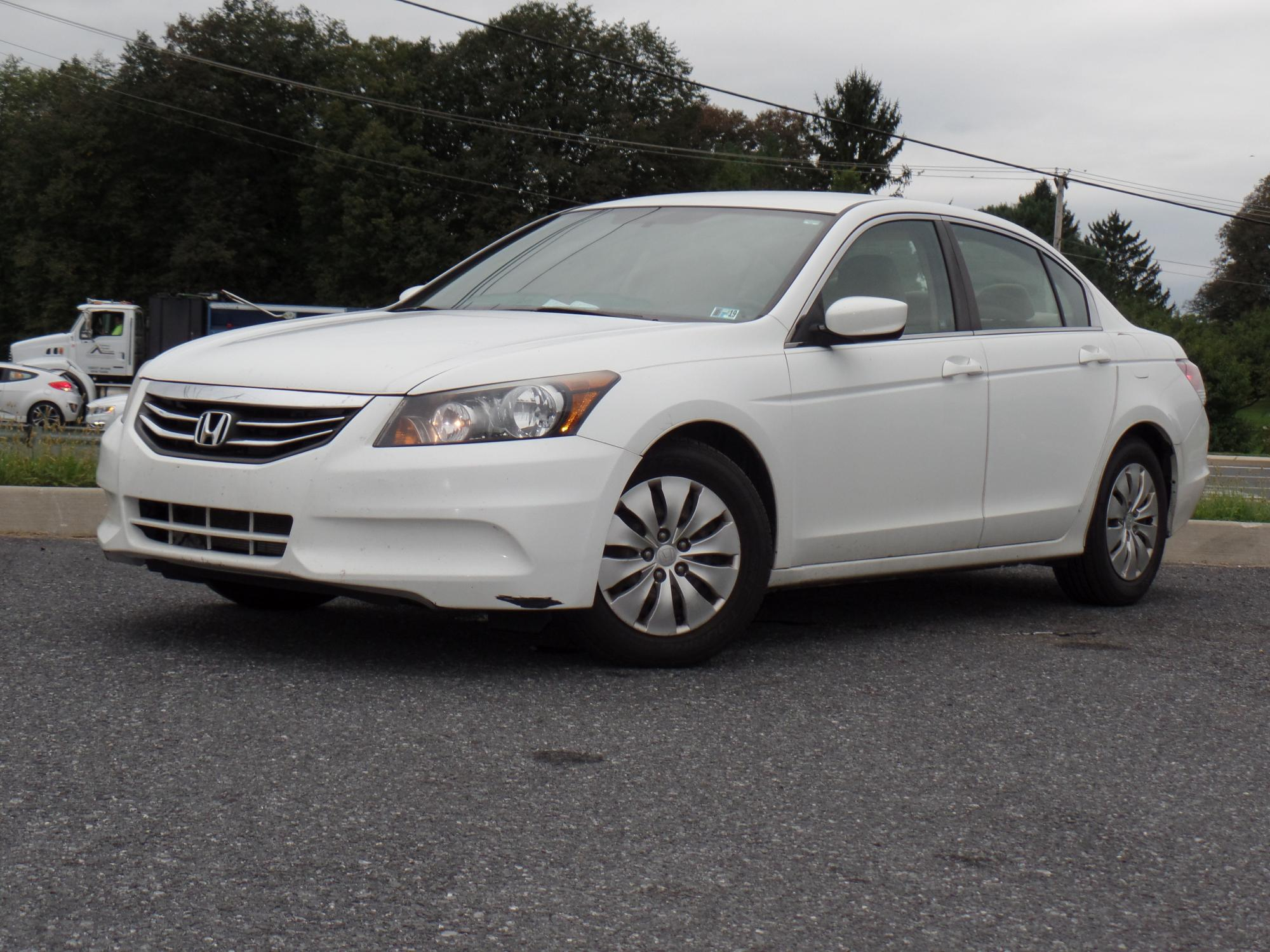 9-21-2018_2012_Honda_Accord_153927__1_.JPG
