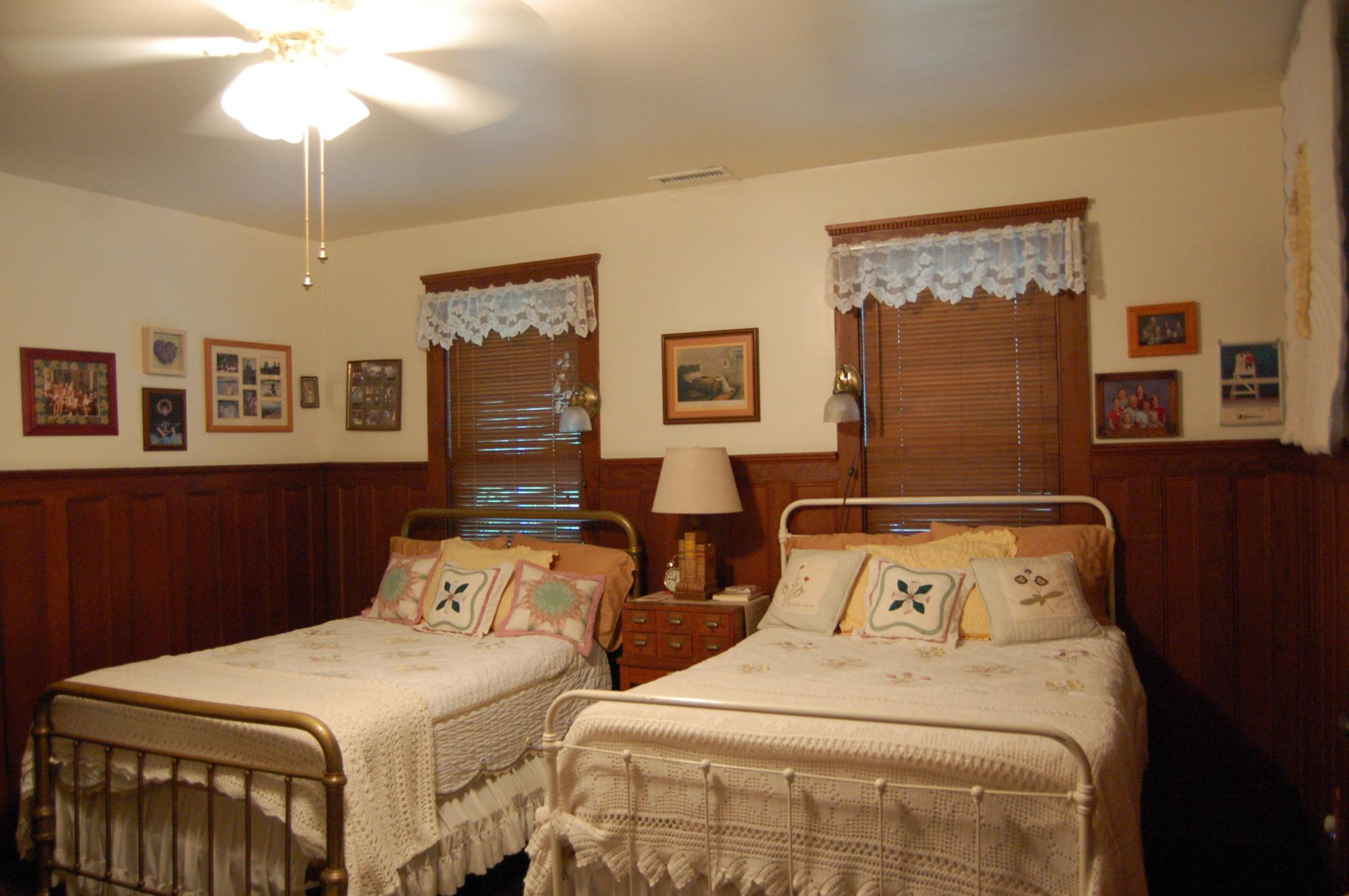 Sister's Room with 2 Double Beds