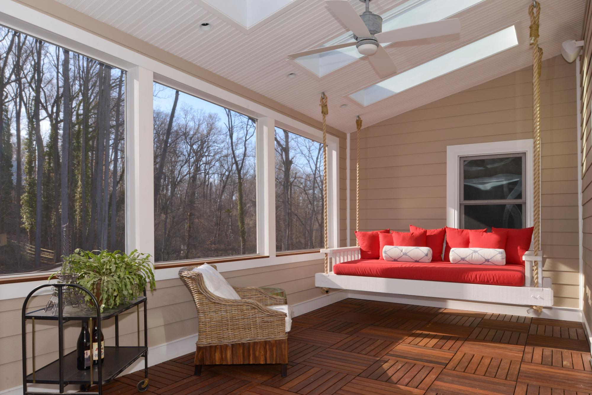 Commonwealth_Restorations_Evans_screened_porch.jpeg