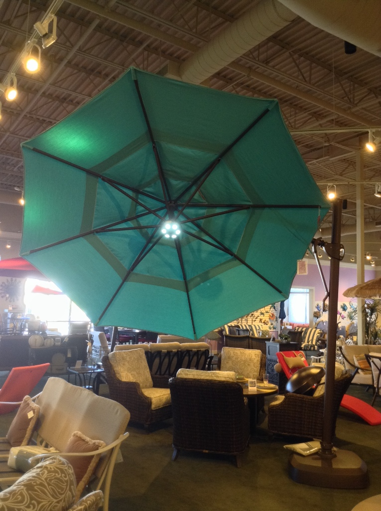 11 ft Cantilever Aqua Umbrella with Optional Light Aqua