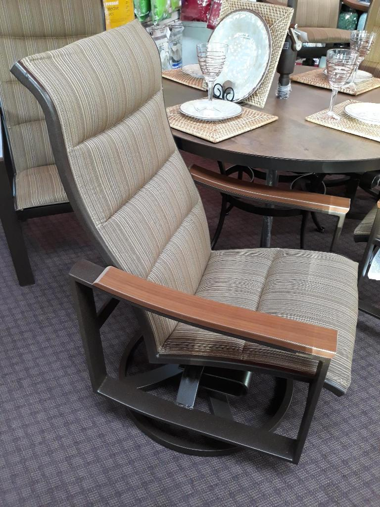 Brazo Swivel Rocker Dining Chair ~ IPE