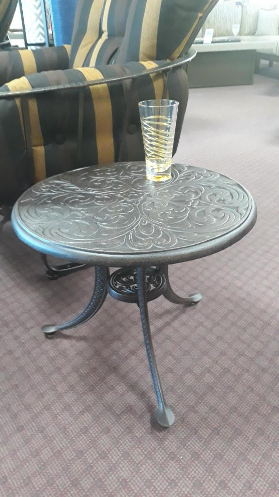 "Chateau Side Table 21"" Rnd."