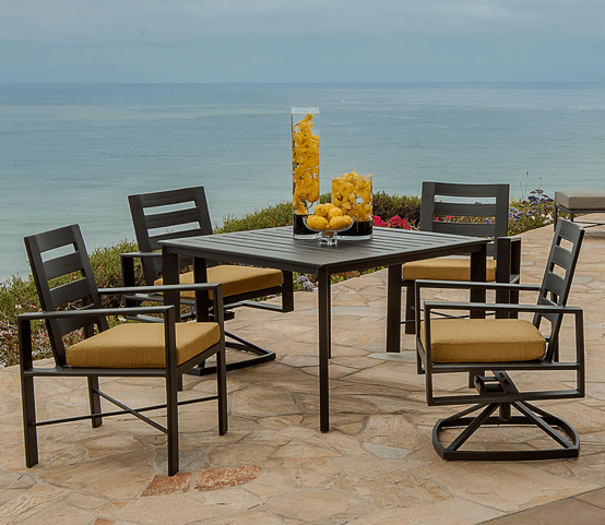 Gios Dining Set