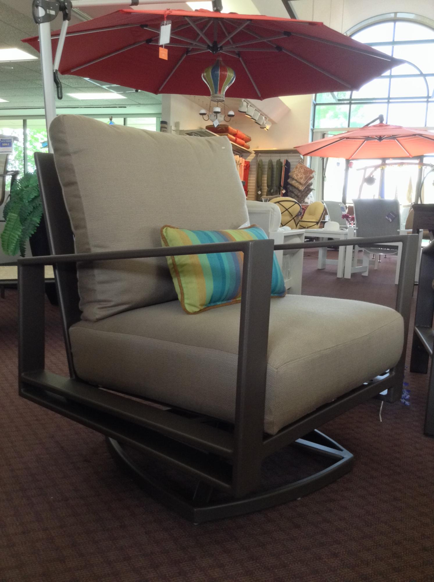 "Gios Swivel Rocker Lounge Chair W=32"" D=33"" H=39"" SH=18.25"" AH=26.5"""