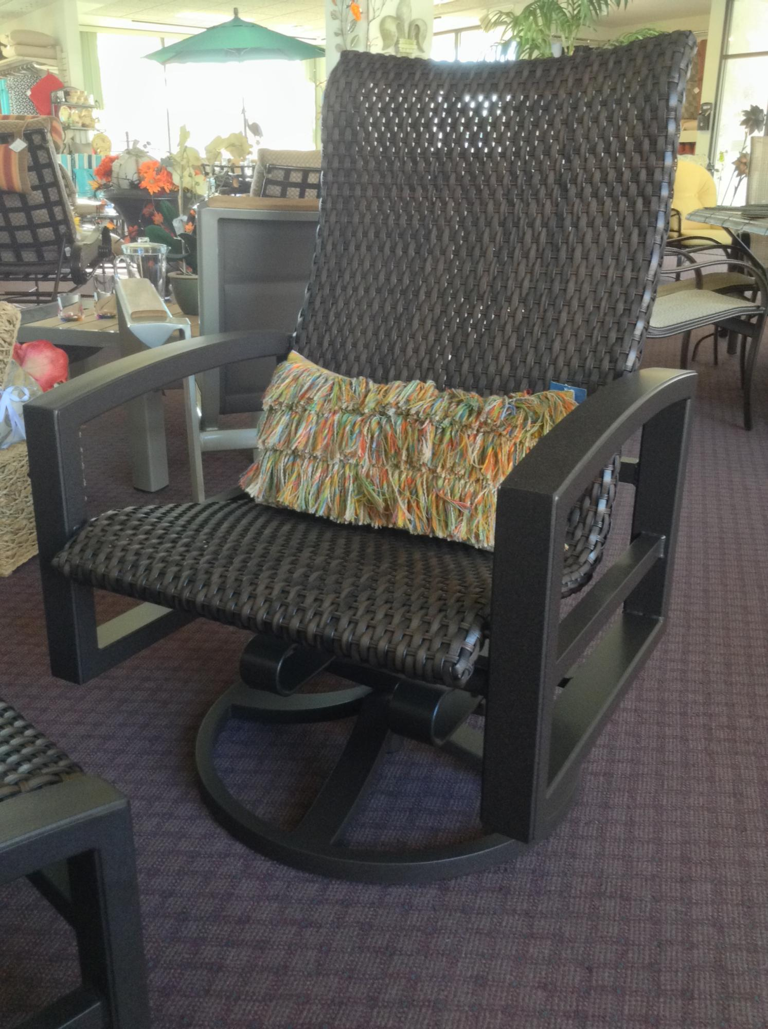 "Lakeside Woven Swivel Action Lounger W=28.5"" D=29.5"" H=42"" SH=17.5"" AH=25"""