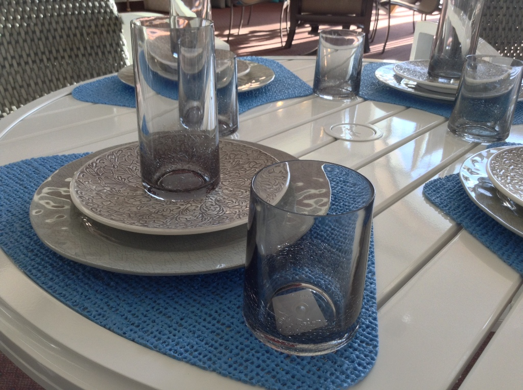 Melamine Tableware with Acrylic Glasses