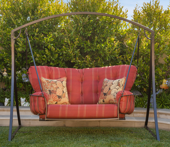 Monterra Cuddle Swing