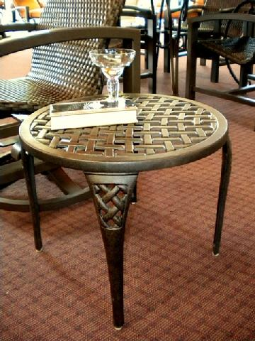 "Newport End Table 21"" Round"