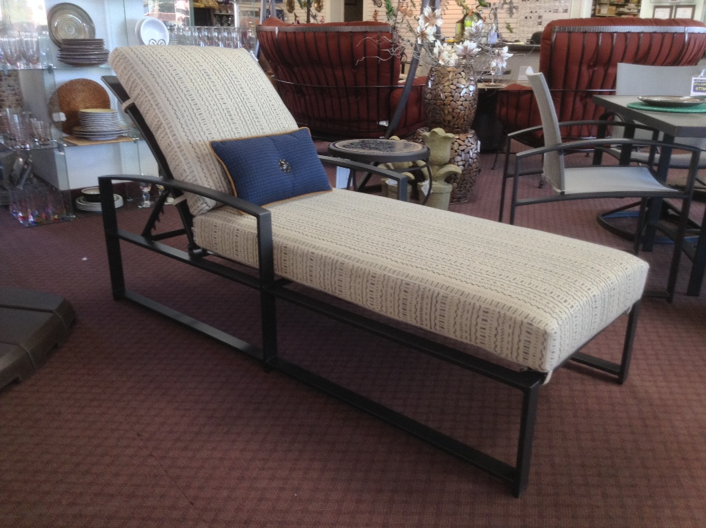Pacifica Chaise Lounge