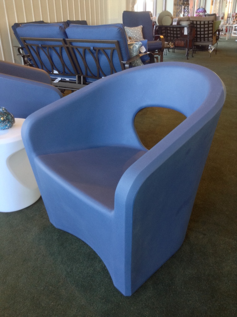 Radius Bright Blue Lounge Chair with Radius Bright White Tea Table