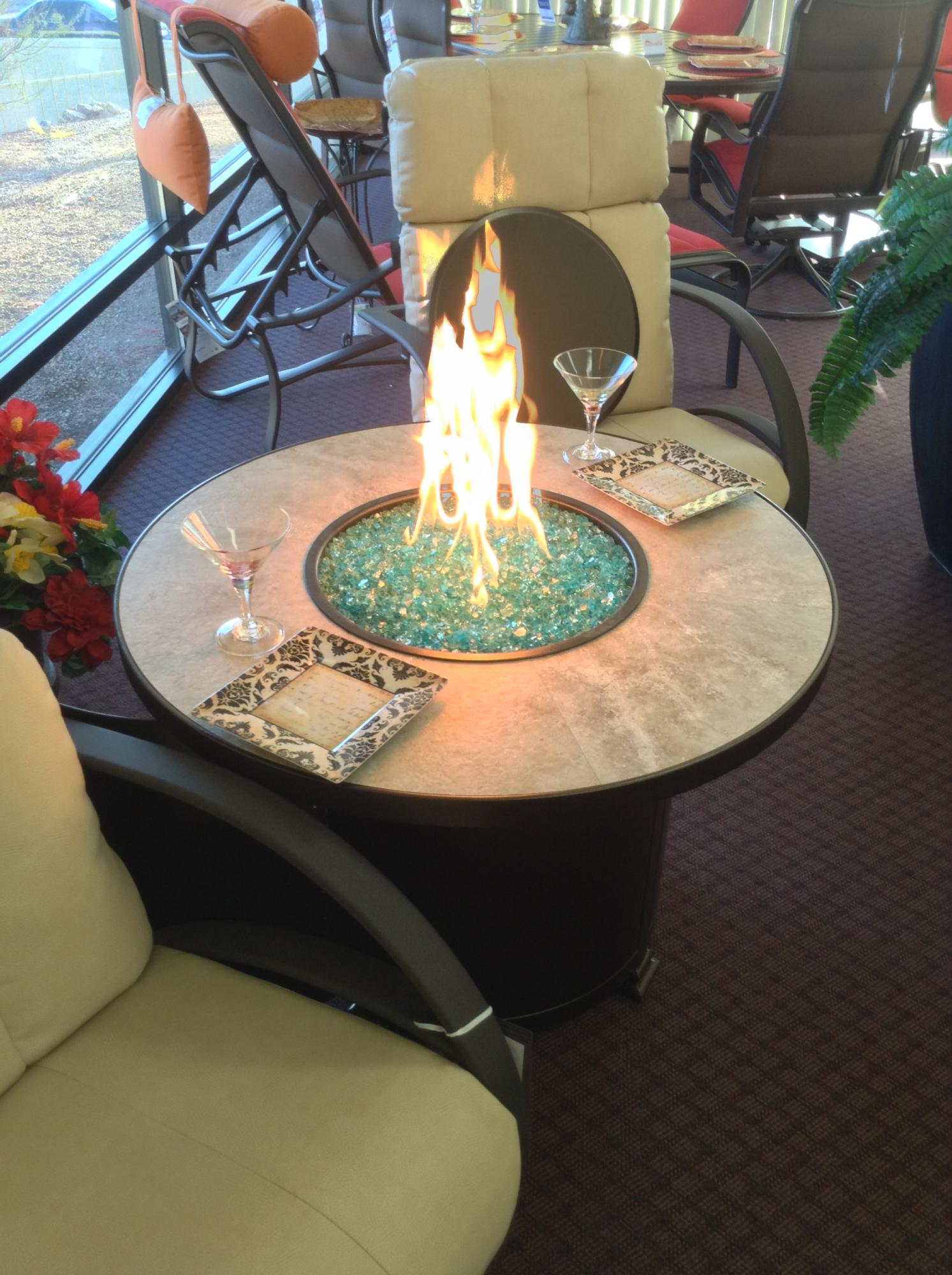 "Santorini 36"" Round Chat Fire Table H=24"""