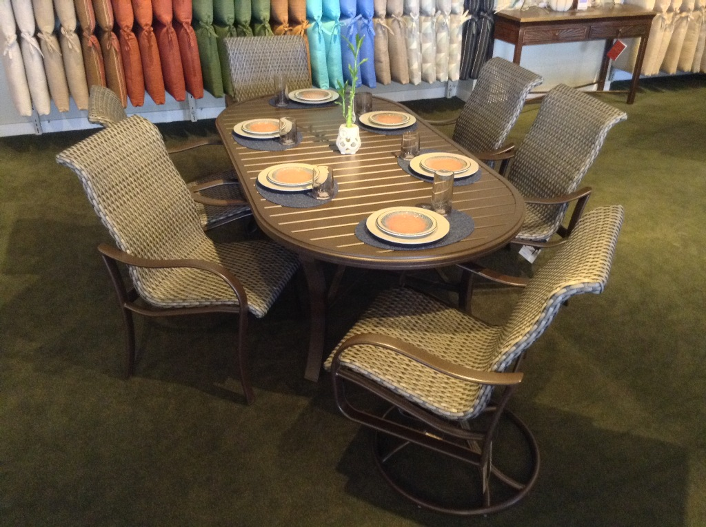 Shoreline Woven Dining with Oval Banchetto Dining Table
