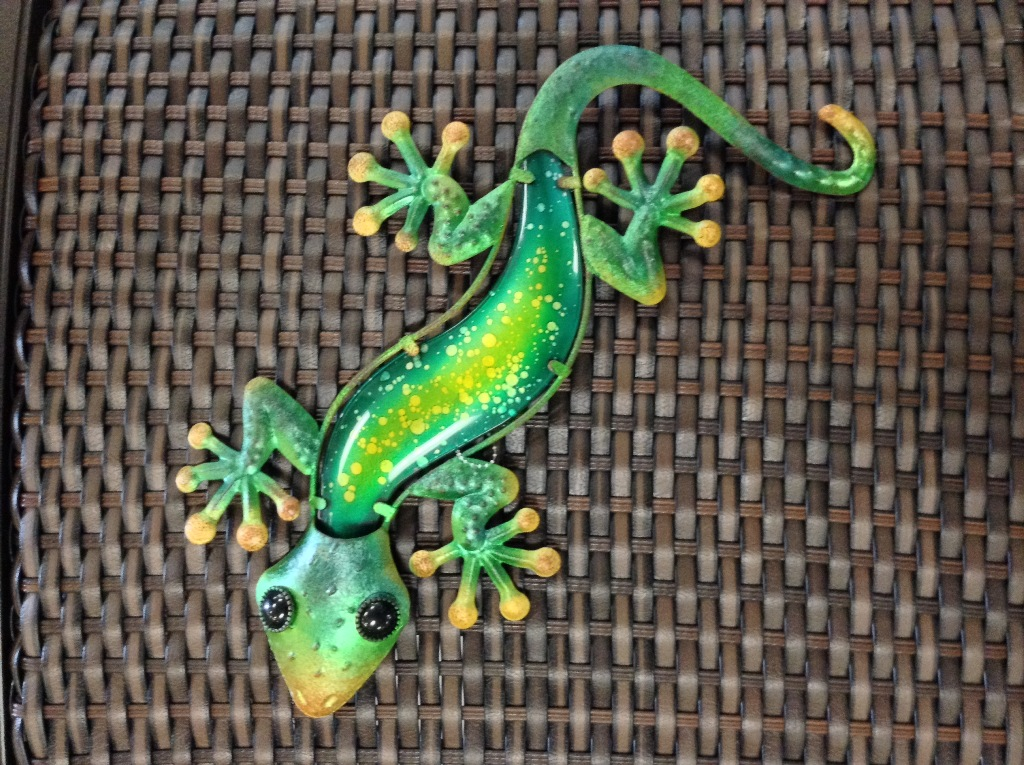 Watercolor Gecko Metal & Glass Green L= 18""